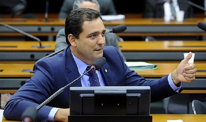 Deputado propõe trabalho externo a condenado em regime fechado