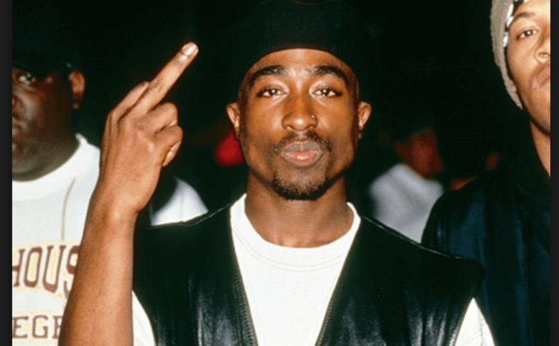 Tupac Shakur, morto em 1996, diz em carta que terminou com Madonna por ela ser branca