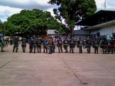 Confronto em presídio na Venezuela deixa 37 mortos e 14 funcionários feridos