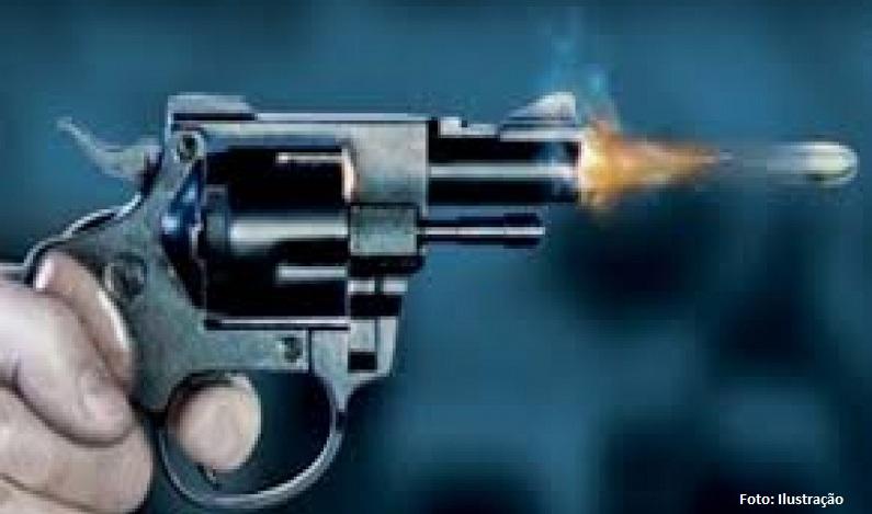Jovem é morto a tiros ao apartar briga entre primas durante festa de família