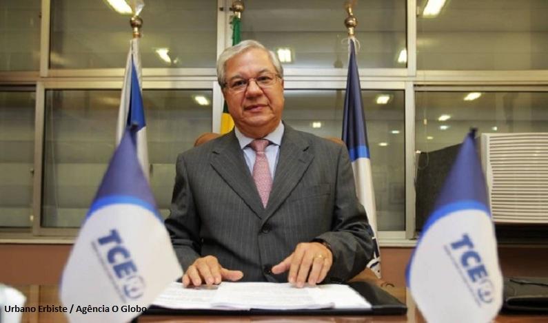 Ex-presidente do TCE/RJ é denunciado por envolvimento em esquema de venda de decisões