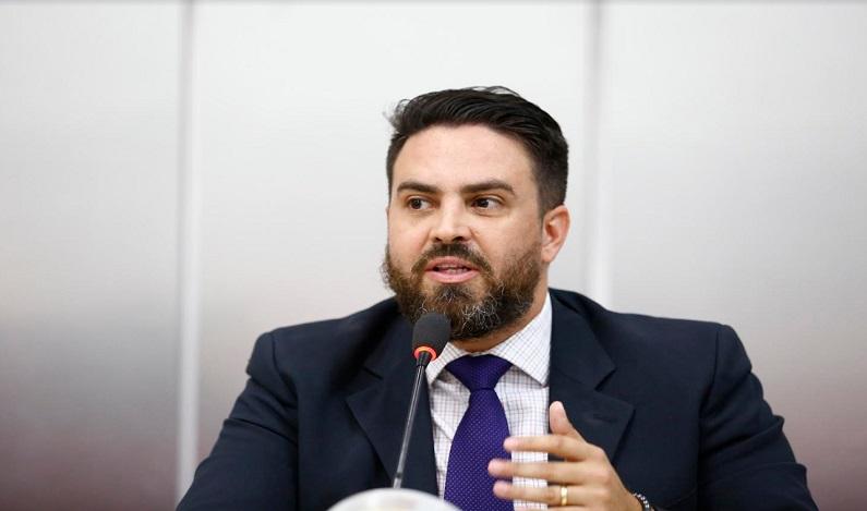 Léo Moraes solicita Posto Avançado de cartório e melhorias na saúde para distrito de União Bandeirantes