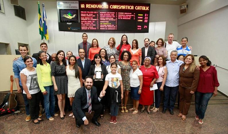 Léo Moraes preside Sessão Solene para homenagear Jubileu de Ouro da RCC