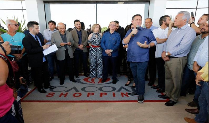 Maurão de Carvalho prestigia inauguração de shopping em Cacoal