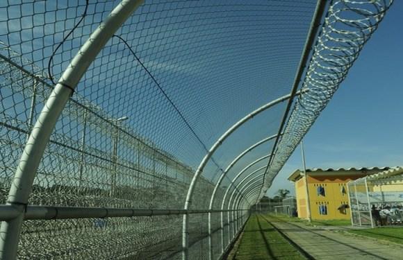 Justiça determina afastamento temporário de diretor de presídio que atirou em ex-detento