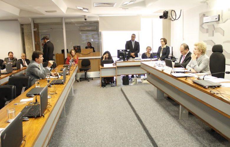 Cassol quer reduzir custos de medicamentos e pede ajuda ao ministro da Saúde