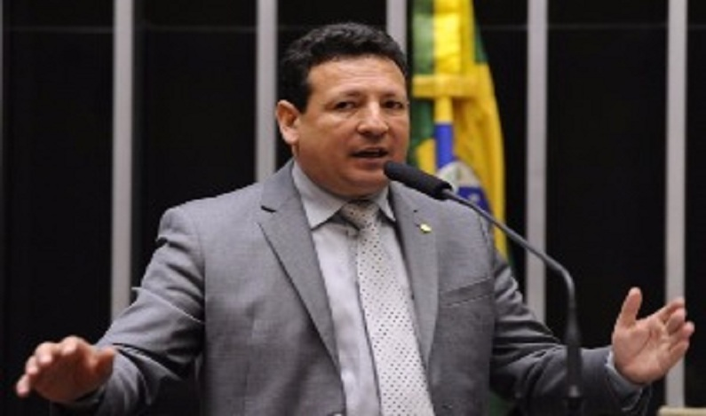 STF absolve deputado federal denunciado por improbidade administrativa