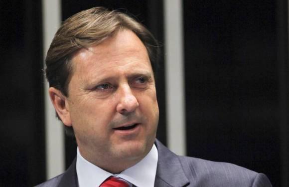 Gurgacz avalia desistir de candidatura ao governo para apoiar Daniel Pereira