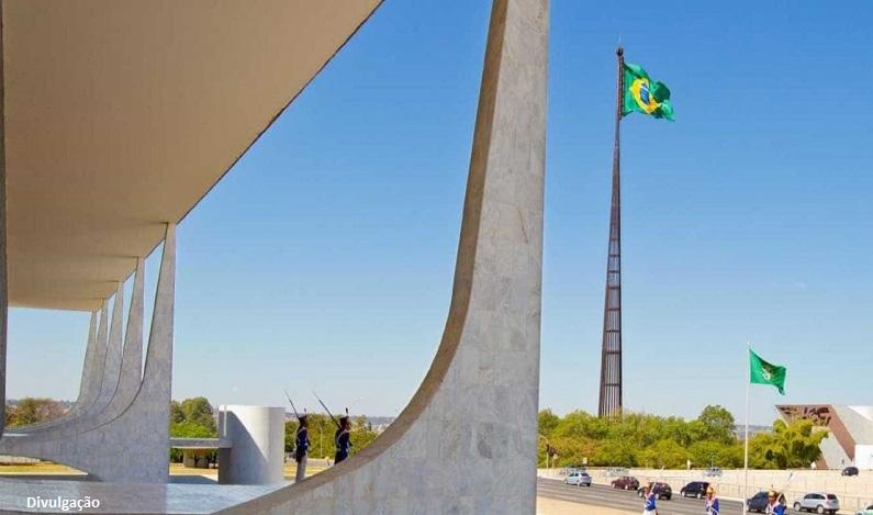 Planalto deve gastar mais de R$ 2 milhões com uniformes de funcionários