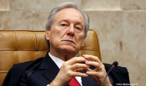 Ministro Lewandowski leva tombo e é internado em São Paulo