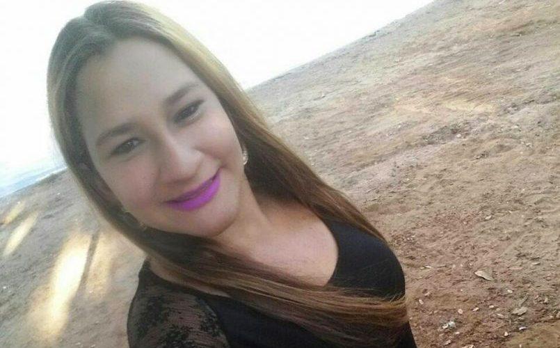 Grávida, mulher revida cantada com um tapa e é morta à tiros