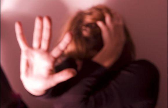 Dois casais são acusados de torturar babá por mais de 16 horas