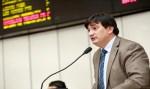 Cleiton Roque pede reforma na Escola Aurélio Buarque de Holanda, de Cacoal