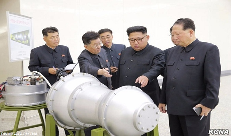 """Coreia do Norte ameaça """"afundar"""" Japão e reduzir EUA a """"cinzas"""""""