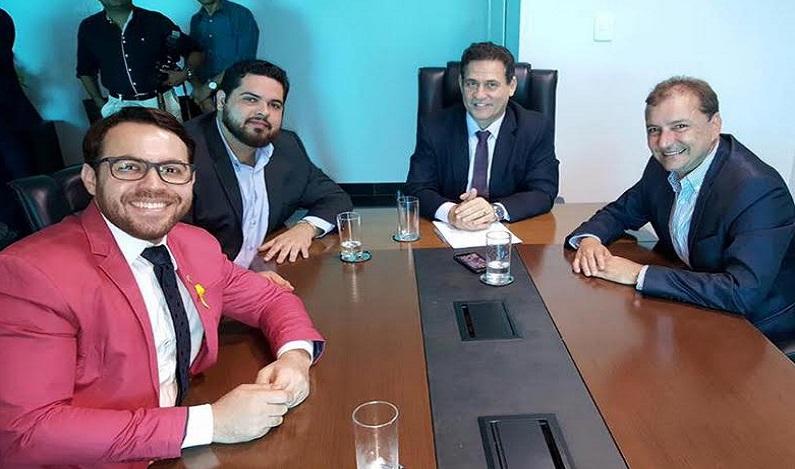 Jean e Márcio Oliveira são atendidos e Rua Humaitá será asfaltada