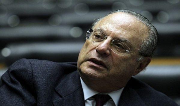 "Maluf se entrega mas já apresenta pedido de prisão domiciliar alegando ""câncer na próstata"""