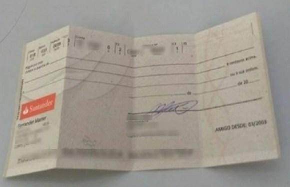Jovem encontra cheque em branco e usa Facebook para procurar o dono