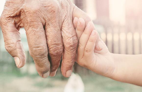 Avó com guarda judicial do neto tem direito de receber salário-maternidade