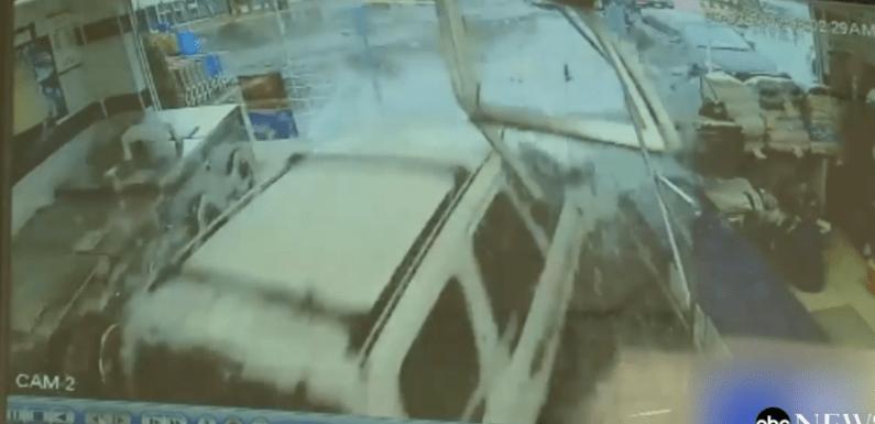 Seis pessoas ficam feridas quando camionete invade lavanderia; veja