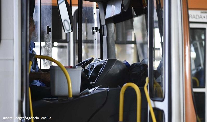 Lei torna todos assentos de ônibus e do Metrô preferenciais no DF
