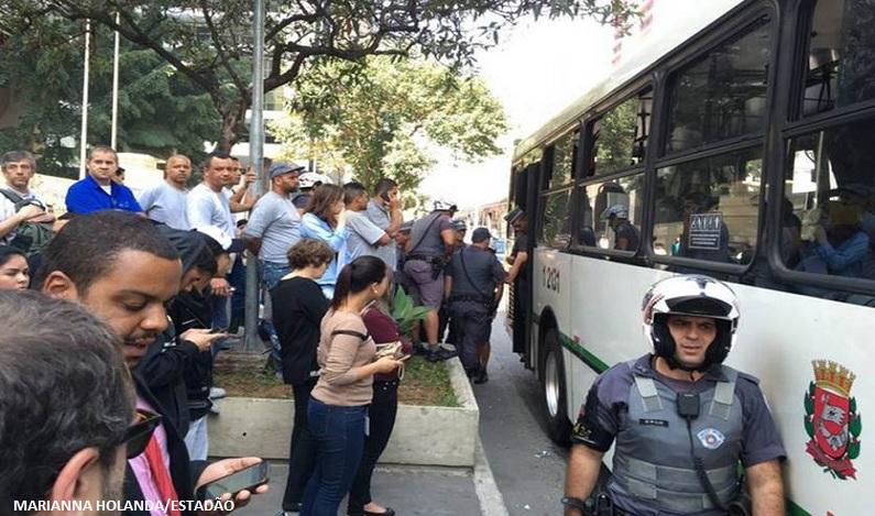 Por que homem que ejaculou em mulher em ônibus foi solto – e o que isso diz sobre a lei brasileira?