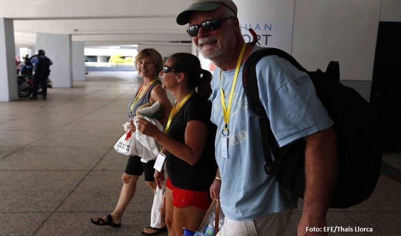 Empresa enviará cruzeiro para resgatar 2 mil turistas afetados pelo furacão Irma no Caribe