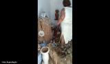 Traficantes evangélicos obrigam mãe de santo a destruir terreiro; vídeo
