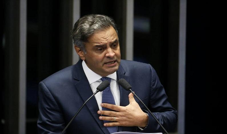 Aécio recusa renúncia e faz apelo para permanecer na presidência do PSDB até dezembro