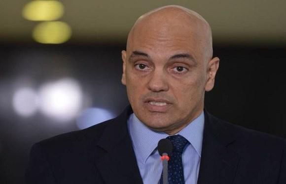"""Ministros do STF """"apanham mais que jogadores de futebol"""", diz Moraes"""