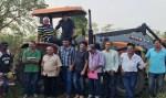 Cleiton Roque participa de entrega de trator em Corumbiara