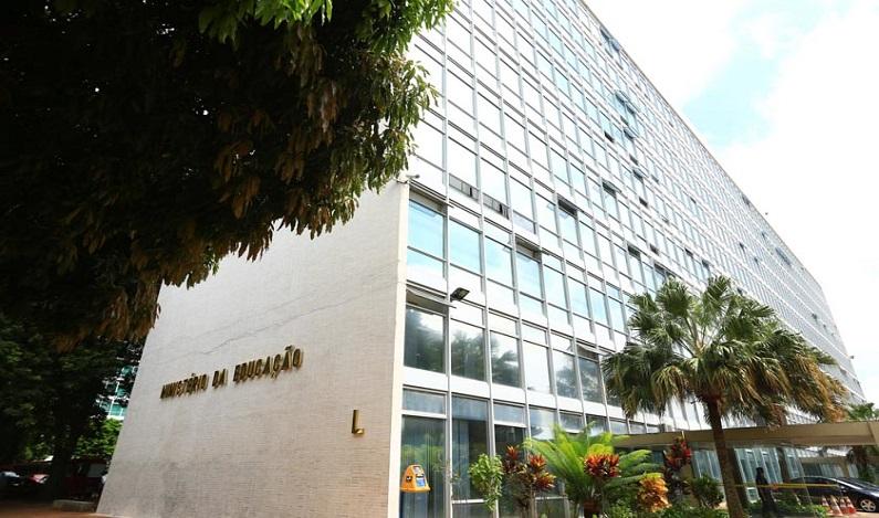 País corre risco de não ter Fies em 2018, diz relator Alex Canziani