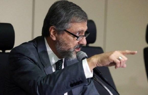 Ministro da Justiça diz que comandantes de batalhões da PM são sócios do crime organizado no RJ