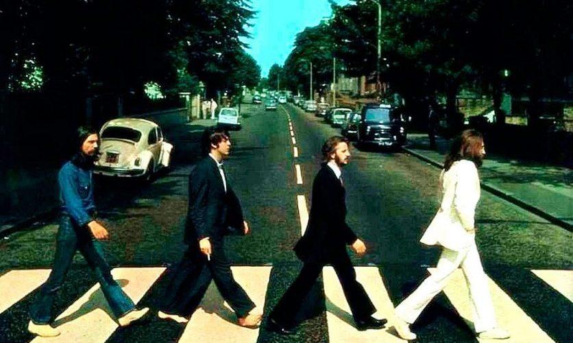 """""""Teoria da conspiração"""" antiga diz que Paul McCartney está morto e um sósia o substitui; entenda"""