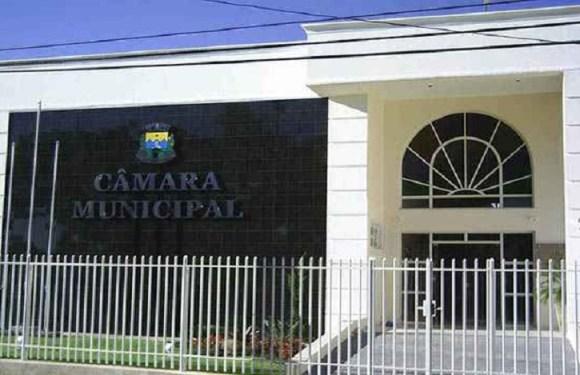 Câmara municipal de Minas Gerais abre concurso com taxa absurda