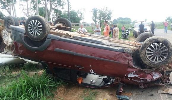 Colisão entre dois carros deixa 5 mortos e uma criança ferida em Ji-Paraná (RO)