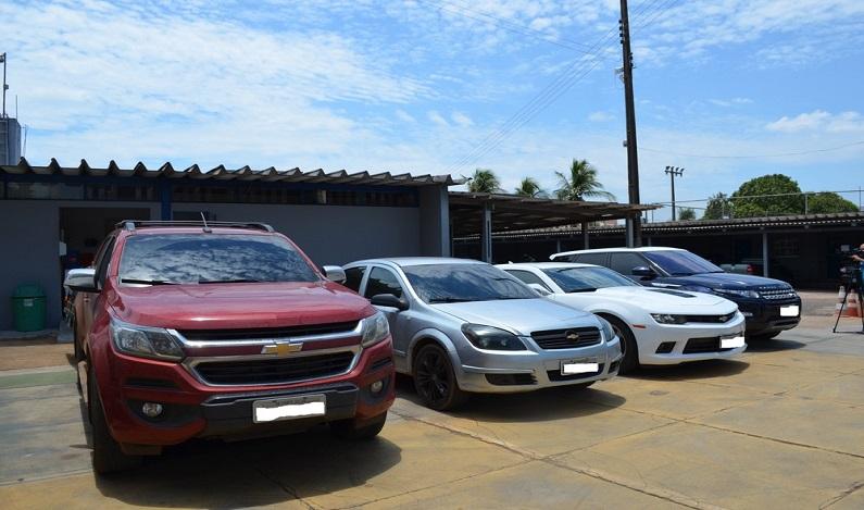 PF apreende R$ 5 milhões em carros de luxo e 600 kg de cocaína durante Operação Fortress em RO
