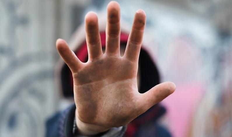 CCJ deve votar aumento de pena para adulto que utilizar criança em crime