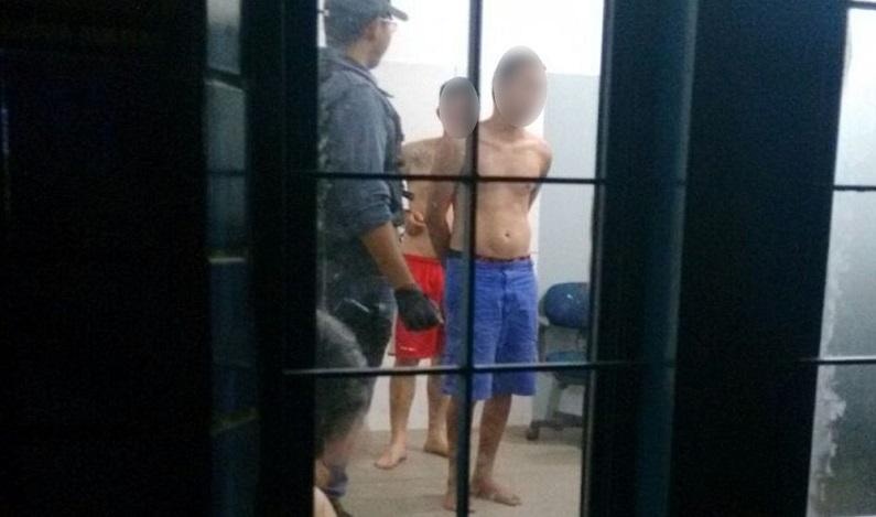 Vizinhos chamam menino de 6 anos para assistir filme, abusam dele e são presos em Cuiabá, diz PM