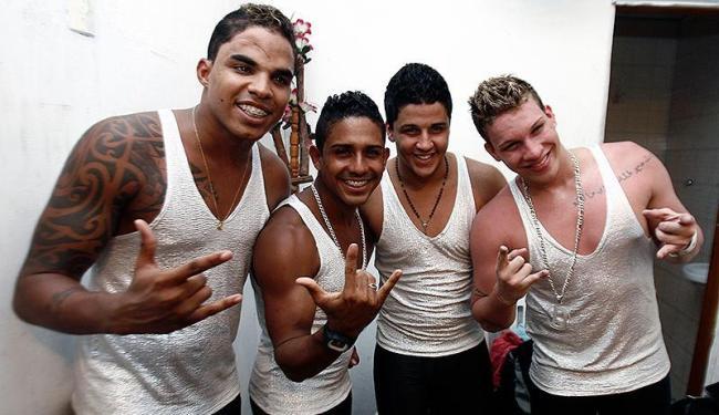 Cinco ex-integrantes de banda baiana são presos após condenação de 10 anos por estupro