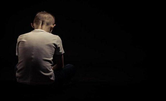Padre acusado de abusar de adolescentes é condenado a 33 anos