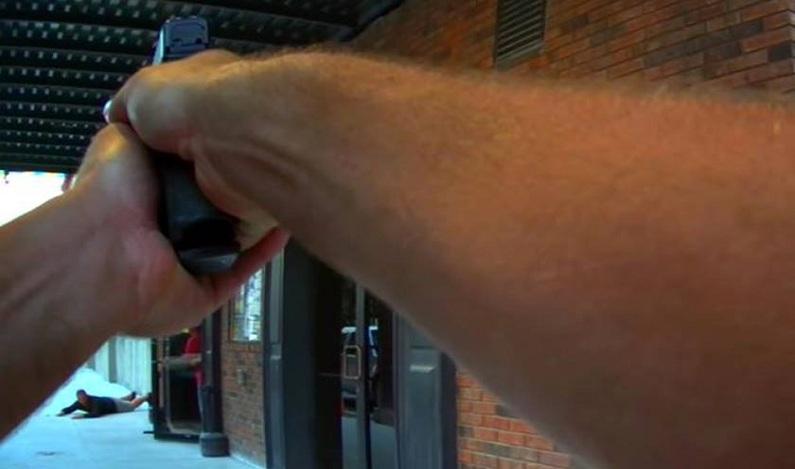 Polícia atira em ator após confundir cena de filme com roubo real; vídeo
