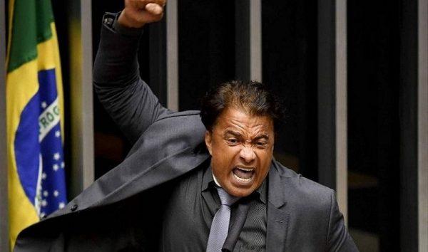 Suposto vídeo íntimo de Wladimir Costa vira assunto na Câmara, diz colunista