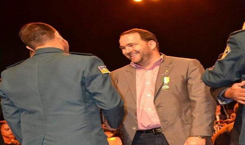 Alex Redano agradece a Polícia Militar por homenagem recebida