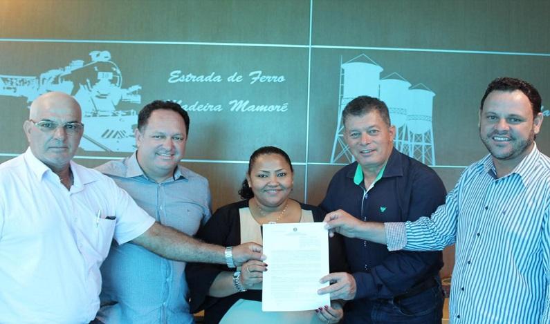 Edson Martins assegura recursos para geração de emprego e renda