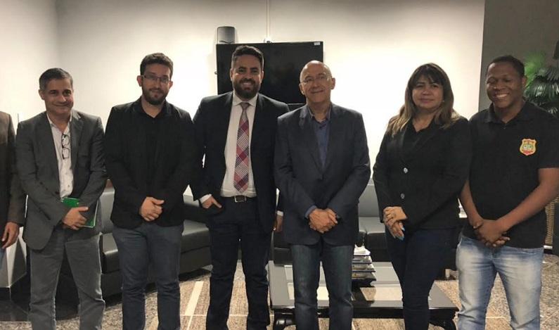 Governador atende Léo Moraes e garante promoções na Polícia Civil