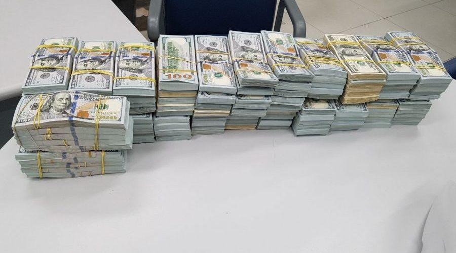 Caminhoneiro é preso pela PRF com mais de R$ 10 milhões em espécie escondidos em carga