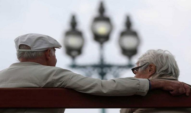Emenda da Previdência mantém idades mínimas de 65 anos para homens e 62 anos para mulheres
