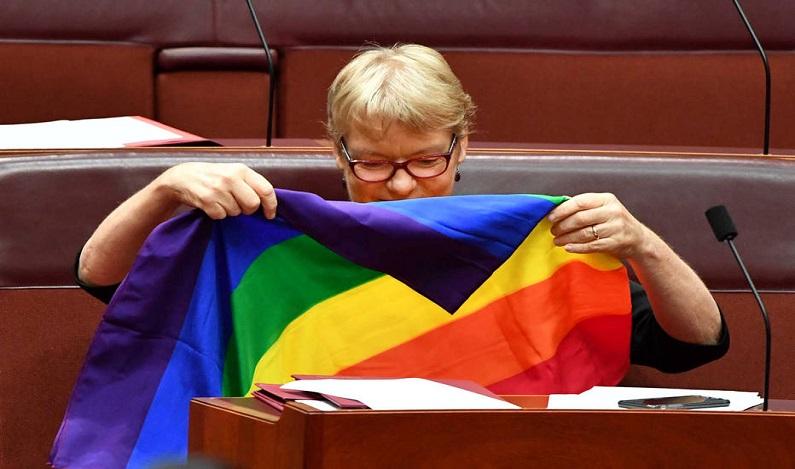 Senado da Austrália aprova casamento entre pessoas do mesmo sexo