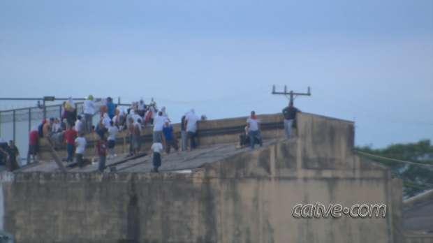 Sobe para dois o número de presos mortos em rebelião na Penitenciária Estadual de Cascavel