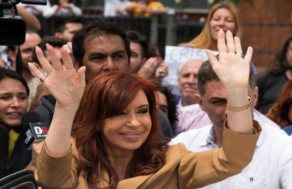 URGENTE: Juiz argentino pede por prisão de ex-presidente Cristina Kirchner, diz agência